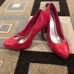 "Qupid 5"" heels size 10"